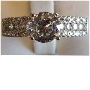 3cttw White Sapphires Ring Size 9